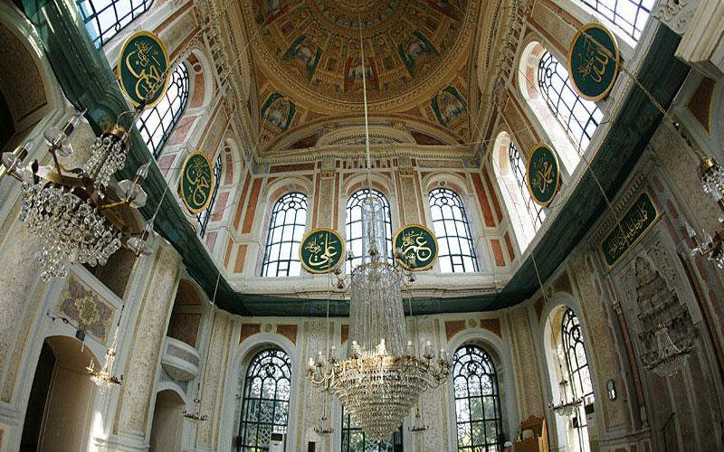 داخل جامع اورتاكوي