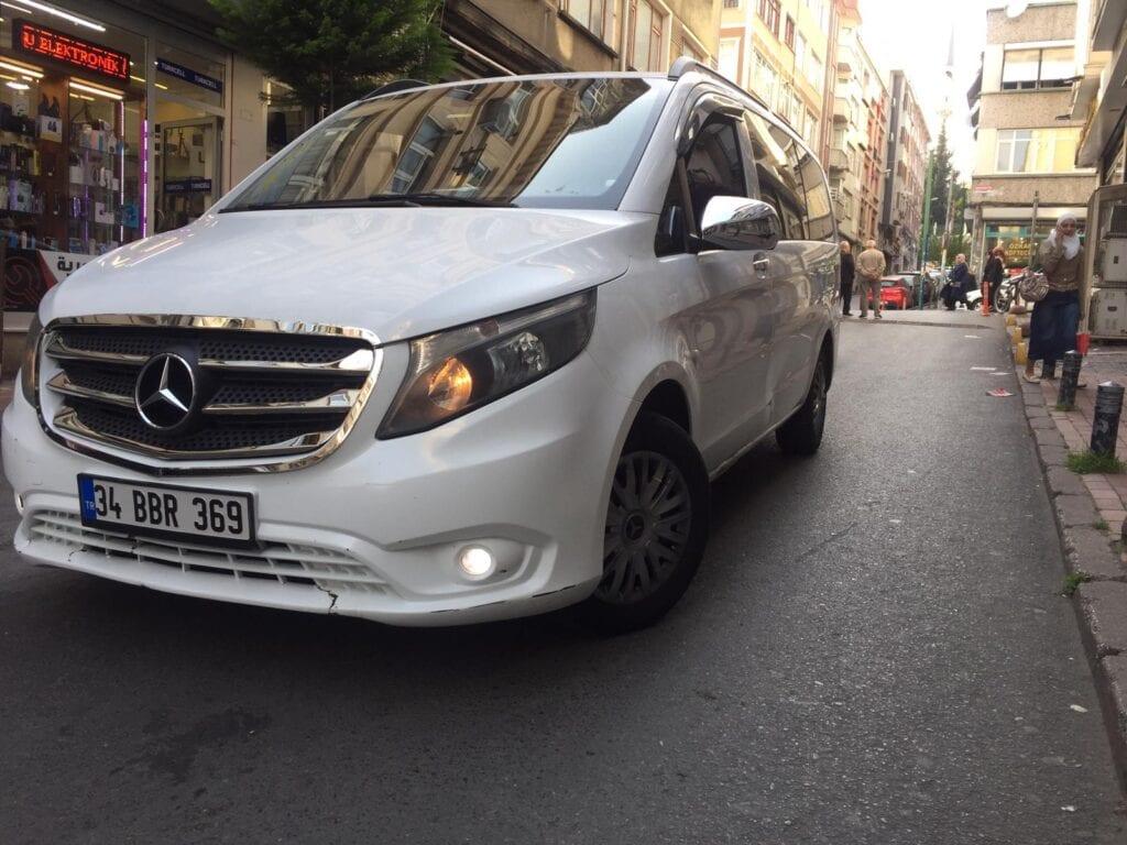ٍسيارة مع سائق في اسطنبول
